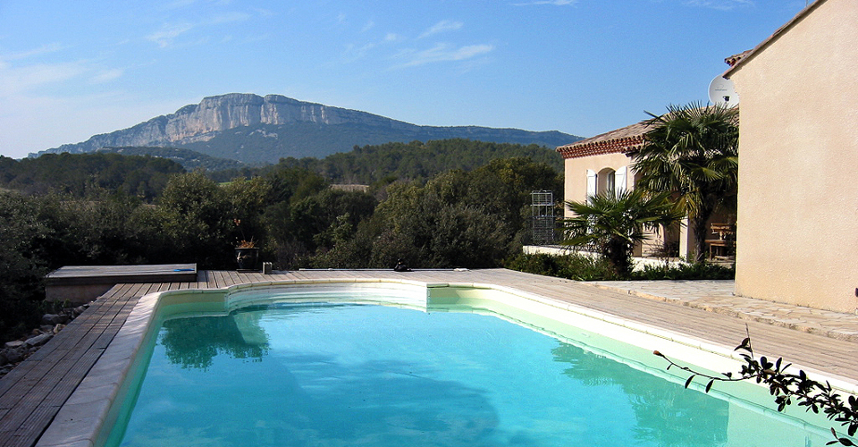Revestimento de piscinas linov gama completa de liners e for Piscina 100 metros portugal